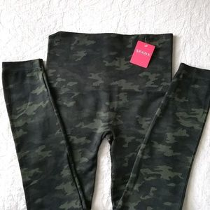 SPANX NWT high-waisted camouflage leggings XL